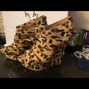 Justfab strapped leopard wedges